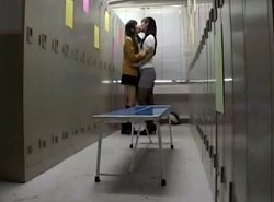 女子生徒の本気の愛を受け入れてしまう女教師
