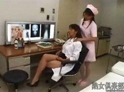 診察が終わった後の女医がナースからいつものHな事をしてもらう
