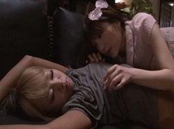 泥酔して寝てるレズ友の妹を夜這いして体を堪能する可愛いお姉さん