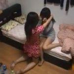 ノンケな友達をその気にさせベットでHなレズ絡みする女子達の盗撮映像